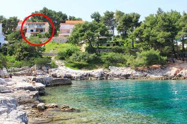 Basina, Hvar, Property 11817 - Apartments near sea with pebble beach.
