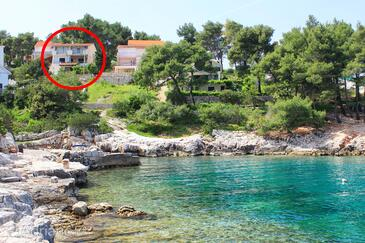 Basina, Hvar, Property 11817 - Apartments near sea with pebble beach.