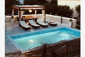 Дом для семьи с бассейном у моря Севид - Sevid (Трогир - Trogir) - 11828