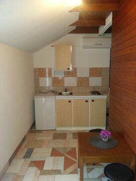 Orebić, Kuchnia w zakwaterowaniu typu studio-apartment, Dostępna klimatyzacja i WiFi.