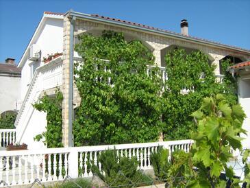 Vodice, Vodice, Объект 11835 - Апартаменты с галечным пляжем.