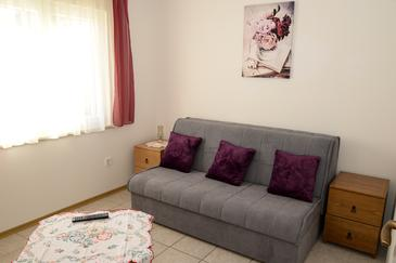 Sabunike, Living room in the apartment, (pet friendly) and WiFi.