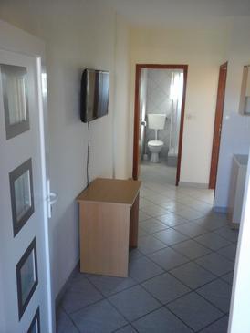 Vir, Dining room in the apartment, dostupna klima.