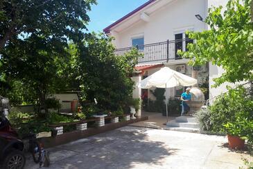 Starigrad, Paklenica, Property 11848 - Apartments with pebble beach.