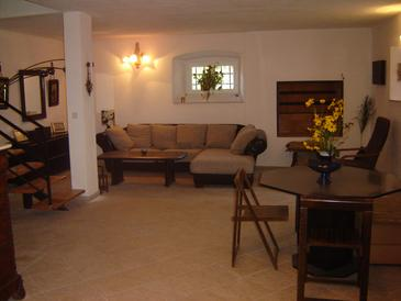 Orebić, Obývací pokoj v ubytování typu house, dopusteni kucni ljubimci i WIFI.