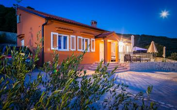 Miholašćica, Cres, Property 11857 - Vacation Rentals with pebble beach.