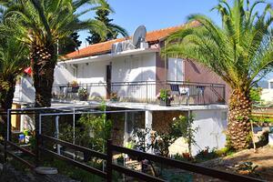 Apartments by the sea Vrboska (Hvar) - 11859
