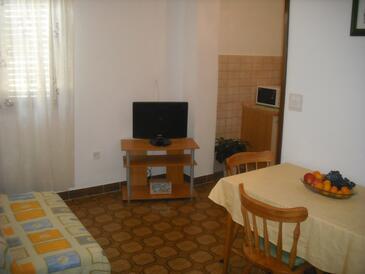 Rogoznica, Sufragerie în unitate de cazare tip apartment, WiFi.