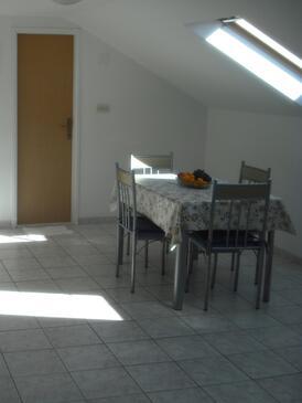 Rogoznica, Jídelna v ubytování typu studio-apartment, WiFi.