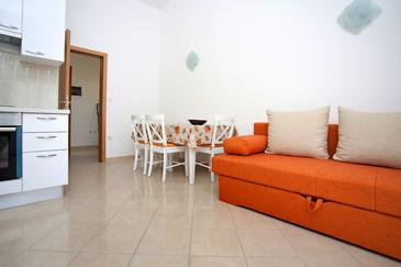 Zečevo Rtić, Столовая в размещении типа apartment, доступный кондиционер и WiFi.