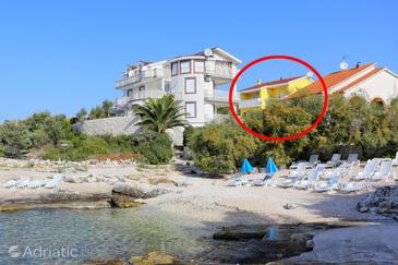 Zečevo Rtić, Rogoznica, Property 11869 - Apartments near sea with pebble beach.