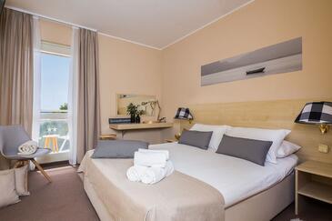 Vodice, Bedroom in the room, dostupna klima i WIFI.