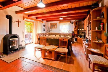 Gornja Voća, Dnevna soba 1 v nastanitvi vrste house, Hišni ljubljenčki dovoljeni.