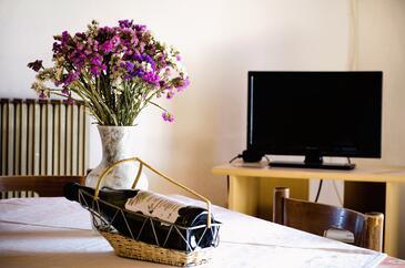 Zambratija, Jídelna v ubytování typu apartment, s klimatizací a WiFi.