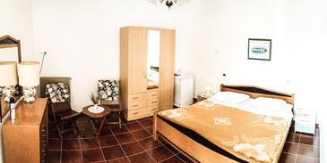 Zambratija, Ložnice v ubytování typu room, WiFi.
