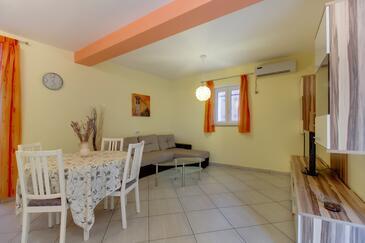Mali Lošinj, Dnevna soba v nastanitvi vrste apartment, dostopna klima in WiFi.