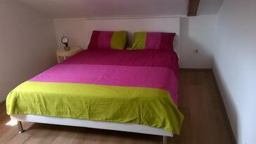 Neviđane, Ložnice v ubytování typu room, s klimatizací a WiFi.