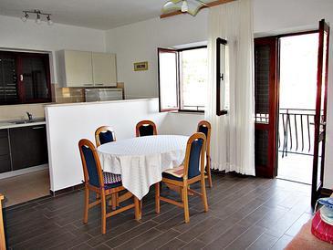 Prožurska Luka, Blagovaonica u smještaju tipa apartment, kućni ljubimci dozvoljeni i WiFi.