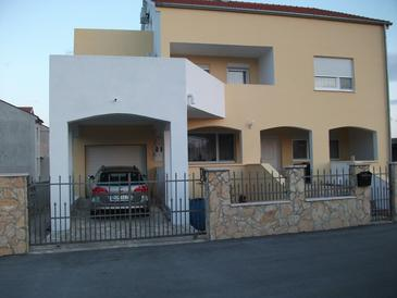 Ražine, Šibenik, Property 11904 - Apartments with pebble beach.