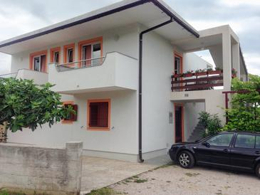 Povile, Novi Vinodolski, Объект 12039 - Апартаменты со скалистым пляжем.