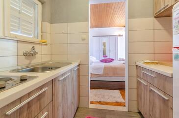 Orebić, Kuchyňa v ubytovacej jednotke apartment, dopusteni kucni ljubimci i WIFI.