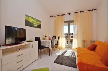 Orebić, Obývacia izba v ubytovacej jednotke apartment, domáci miláčikovia povolení a WiFi.