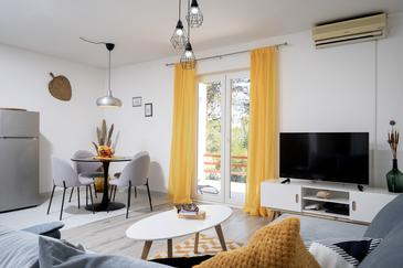 Jelsa, Wohnzimmer in folgender Unterkunftsart apartment, Klimaanlage vorhanden, Haustiere erlaubt und WiFi.