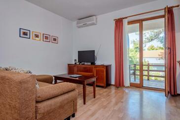 Jelsa, Гостиная в размещении типа apartment, доступный кондиционер, Домашние животные допускаются и WiFi.