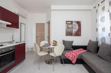 Osibova, Dining room in the apartment, air condition available, (pet friendly) and WiFi.