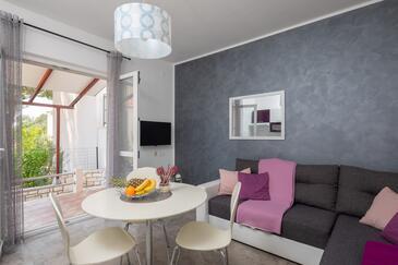 Osibova, Obývacia izba v ubytovacej jednotke apartment, klimatizácia k dispozícii, domáci miláčikovia povolení a WiFi.