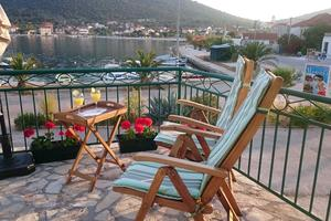 Seaside holiday house Vinisce, Trogir - 12066