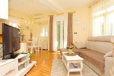 Zavode, Obývací pokoj v ubytování typu apartment, WiFi.