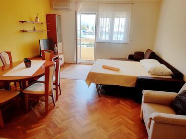Omiš, Obývacia izba v ubytovacej jednotke apartment, dostupna klima i WIFI.