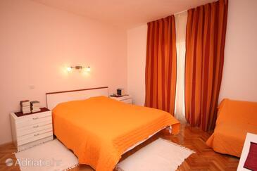 Zavala, Bedroom in the room.