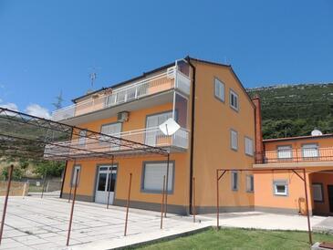 Kaštel Stari, Kaštela, Property 12104 - Apartments with pebble beach.
