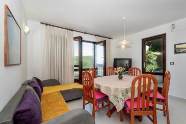 Rabac, Sala da pranzo nell'alloggi del tipo apartment, animali domestici ammessi e WiFi.