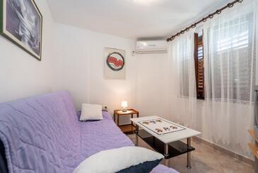Rabac, Obývací pokoj v ubytování typu apartment, s klimatizací, domácí mazlíčci povoleni a WiFi.