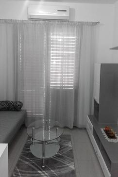Crikvenica, Obývací pokoj v ubytování typu apartment, s klimatizací a WiFi.