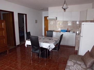 Dragišina, Obývací pokoj v ubytování typu house, domácí mazlíčci povoleni a WiFi.