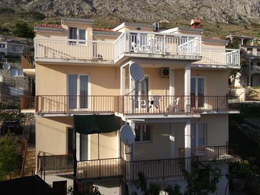 Stanići, Omiš, Property 12158 - Apartments with pebble beach.