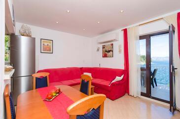 Prožurska Luka, Obývací pokoj v ubytování typu apartment, s klimatizací, domácí mazlíčci povoleni a WiFi.