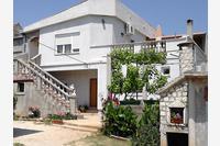 Apartments with a parking space Posedarje (Novigrad) - 12190