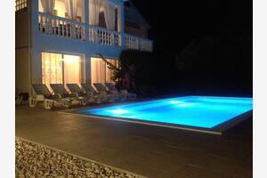 Дом для семьи с бассейном Дебеляк - Debeljak (Задар - Zadar) - 12204