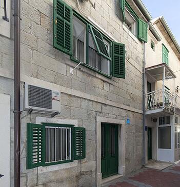 Baška Voda, Makarska, Объект 12209 - Апартаменты вблизи моря с галечным пляжем.