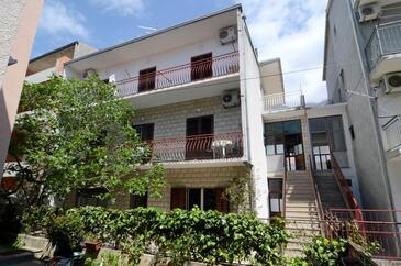 Makarska, Makarska, Объект 12211 - Апартаменты с галечным пляжем.