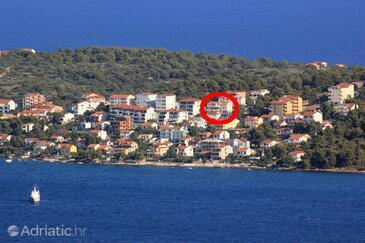 Okrug Gornji, Čiovo, Объект 12235 - Апартаменты с галечным пляжем.