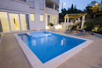 Family friendly apartments with a swimming pool Split - 12236
