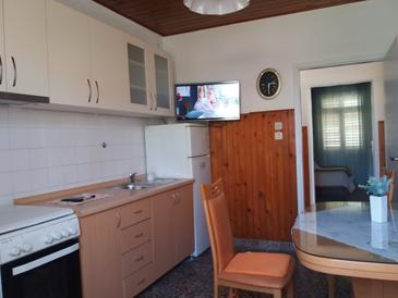 Bibinje, Dining room in the apartment, (pet friendly) and WiFi.