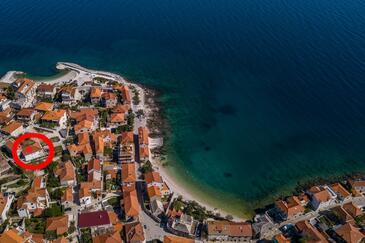 Postira, Brač, Objekt 12291 - Apartmani blizu mora sa šljunčanom plažom.