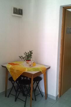 Murter, Jídelna v ubytování typu studio-apartment, WIFI.